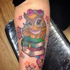 40 Cute Owl Tattoo Design Ideas // May, 2020 Owl Tattoo Design, Tattoo Designs, Body Art Tattoos, Sleeve Tattoos, Tatoos, Owl Tattoos, Hipsters, Tattoo Casal, Cute Owl Tattoo