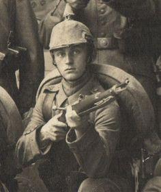 German-WWI-Spiked-Helmet-Rifle-Bayo-IR-166-Go-To-war-Photo