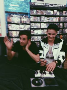 Experience- Meet The 1975. Photo of //Matty // George