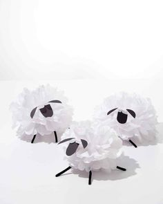 Tissue Paper Pom-Pom Sheep. This would be cute to hang from a mobile in a baby's room. :)
