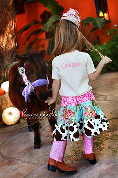 Lil cowgirl skirt love it Little Cowgirl, Cowboy And Cowgirl, My Little Girl, Little Princess, Cowgirl Chic, Cowgirl Birthday, Cowgirl Party, Cowgirl Skirt, Mixed Babies