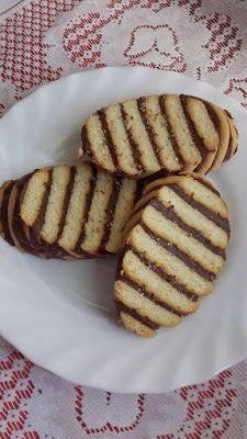 This no all / Disznóól - KonyhaMalacka  disznóságai: Csokis csíkos keksz Mousse, Beverages, Cookies, Desserts, Foods, Tailgate Desserts, Food Food, Biscuits, Deserts