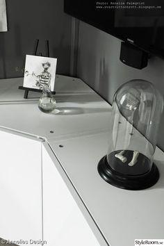 Vardagsrum - Hemma hos Anneliesdesign Tv Furniture, Building Furniture, Used Kitchen Cabinets, Kitchen Appliances, White Tv, Tv Unit, Sideboard, Inspiration, Ikea Hacks