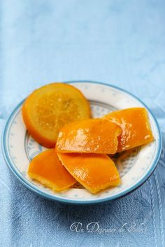 3 large untreated oranges with a rough bark and a little thick 500 … - DIY Christmas Cookies Citrus Recipes, Great Recipes, Recipe Ideas, Chutney, Sunday Roast Dinner, Candied Orange Slices, Orange Confit, Thermomix Desserts, Healthy Menu