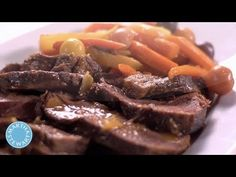Martha cooks up a tender pot roast, which can be made using beef brisket, bottom or top round, or a chuck eye roast and a mirepoix of veggies. Pot Roast Gravy, Beef Pot Roast, Pot Roast Recipes, Braised Beef, Lamb Recipes, Meat Recipes, Cooking Recipes, Roast Brisket, Recipes