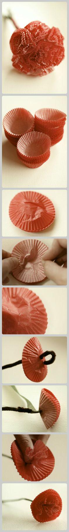 用cupcake纸做漂亮的纸花。