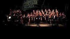 """LUZES! CAMERAta! AÇÃO! . O ESPETÁCULO - Grupo Coral Português que nos orgulha! 5***** 20*****... MA-RA-VI-LHO-SO!!!!!  A Camerata Vocal de Torres Vedras entrou no mundo do cinema com o espetáculo """"LUZES! CAMERAta! AÇÃO!"""". Com estreia no palco do Teatro-Cine, revisitamos algumas das músicas mais emblemáticos da história da sétima arte, desde os clássicos dos anos 30 aos musicais dos anos 50, e não esquecendo os  lmes de animação que trazem a alegria às crianças (de todas as idades). Na…"""