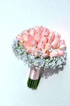 Znalezione obrazy dla zapytania bukiet slubny tulipany