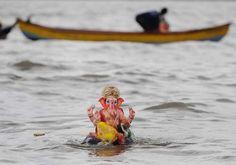 #ganesh #chaturthi #visarjan (AFP Photo)
