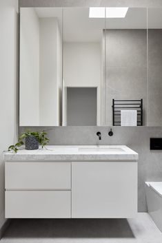 Sequential Chapters Chapter House By Tom Robertson Architects Melbourne Vic Australia Image 08 Bathroom Design Inspiration, Bathroom Interior Design, Modern Interior Design, Interior Architecture, Contemporary Small Bathrooms, Architects Melbourne, Mirror With Shelf, Mirror Shelves, Bathroom Renos