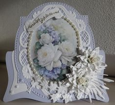 Sample Card - Floral card - Category: Figure Maps - Hobbyjournaal your hobby website Marianne Design Cards, Stepper Cards, Shabby, Spellbinders Cards, Shaped Cards, Fancy Fold Cards, Easel Cards, Beautiful Handmade Cards, Pretty Cards