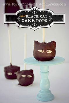 Raw Chocolate Cake Pops  (Fork & Beans) #Halloween #Raw
