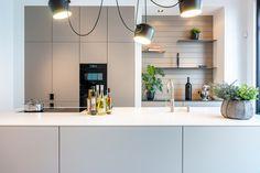 Kitchen Interior, Kitchen Decor, Taupe Kitchen, Kitchen Rules, Rustic Bathroom Decor, Beautiful Houses Interior, Design Moderne, Kitchen Countertops, Home Kitchens