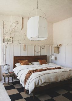 bedroom sets Before and After: Blush pink master bedroom - The House That Lars Built Br Bedroom Sets, Interior, Bedroom Makeover, Gorgeous Bedrooms, Luxurious Bedrooms, Dining Room Contemporary, Luxury Interior Design, Master Bedroom Renovation, Pink Master Bedroom