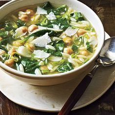 Spinach, Pasta, and Pea Soup Recipe - Health Mobile
