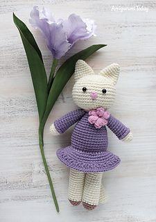 Amigurumi-kitty-in-lilac-dress-crochet-pattern_small2