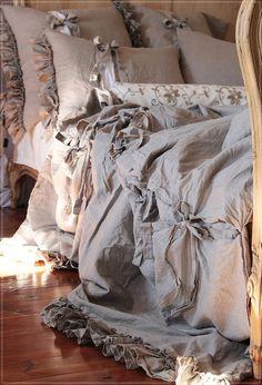 Items similar to LINEN DUVET COVER 'Diane'. Shabby Chic linen bedding, ruffled duvet cover with ties, linen duvet queen, linen duvet cover king.