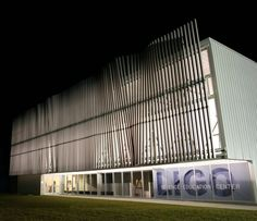 'Wave Wall is a 32' high and 85' long wall of wind-activated pendulums covering the entire front façade of LIGO's Science Education Center. Each pendulum is magnetically coupled with its neig…