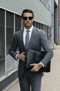 Latest Coat Pant Designs Gray Men Suit Slim Fit 2 Piece Blazer Groom Tuxedo Custom Prom Smart Casual style Jacket Man Ternos Z Business Attire For Men, Business Fashion, Business Outfits, Business Formal, Business Class, Business Professional, Professional Women, Style Casual, Casual Styles