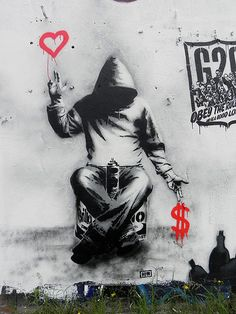 Street art by Banksy - Britain's notorious graffiti artist. No one knows who he really is, but his work is amazing. Banksy Graffiti, Street Art Banksy, Love Graffiti, Graffiti Artwork, Bansky, Graffiti Artists, Urban Street Art, Urban Art, Amazing Street Art