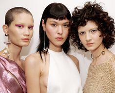 A busca pela 'pele perfeita' está dando lugar à diversão na maquiagem
