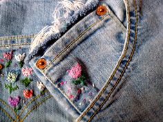 DIY http://cantaffordlanvin.blogspot.com.es/2012/07/diy-brand-new-old-jeans.html