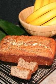 Healthy Grain-Free Chiquita Banana Loaf Recipe ~ This recipe is totally grain-free, gluten-free, paleo-friendly, and delicious. Coconut Flour Recipes, Almond Recipes, Fruit Recipes, Paleo Recipes, Real Food Recipes, Coconut Oil, Gluten Free Treats, Gluten Free Baking, Sugar Free Banana Bread