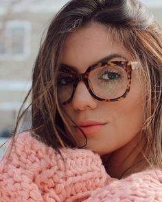 Gentle Blue offer amazingly stylish computer glasses that protect your eyes against blue light Round Lens Sunglasses, Cute Sunglasses, Sunglasses Women, Fake Glasses, Glasses Frames, Glasses Style, Womens Fashion Online, Latest Fashion For Women, Eyewear Trends