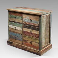 Этот популярный комод из массива дерева тика с шестью вместительными ящиками станет украшением любого интерьера.