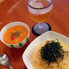 旦那さんのいぬ間に、ビール&白ワイン♥︎ - 8件のもぐもぐ - 明太子パスタとエビのトマトクリームスープ by tarayaco