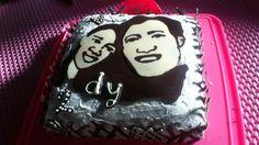 Anniversary portrait cake
