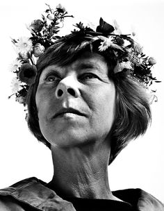 Black and white Tove Jansson flower crown