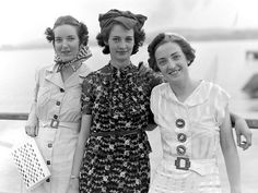 Everything about this 1930s snapshot - from the roses novelty print dress in the centre to the elephant (ELEPHANT!) oversize feature buttons on the lass on the right.