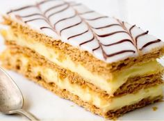 French Desserts, Just Desserts, Mini Desserts, Bread And Pastries, French Pastries, Food Cakes, Millefeuille Recipe, Chocolate Work, Cake Recipes