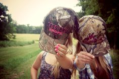 Bestfriends. Country shoot.