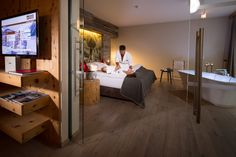 Suite Wellness, 85 m² Flat Screen, Wellness, Design, Blood Plasma, Flatscreen, Dish Display