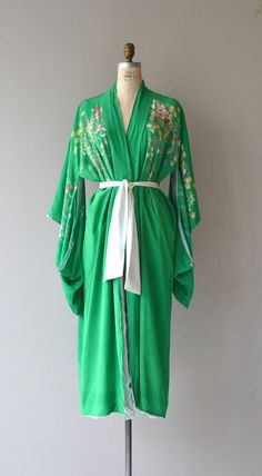 Antique 1920s, early 1930s kelly green silk kimono robe with floral print back and white lining. White silk tie belt. ✂-----Measurements  fits like: