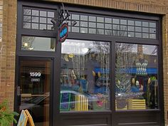 One of my favorite places to shop is Everyday People Clothing Exchange. Located on Hennepin, Minneapolis and Selby Avenue, Saint Paul, MN.