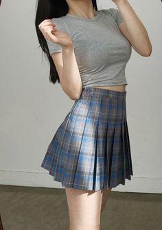 fotos para tus novelas - ropa coreana P/4 - Wattpad Ulzzang Fashion, Asian Fashion, Girl Fashion, Fashion Outfits, Womens Fashion, 90s Fashion, Korean Outfits, Mode Outfits, Skirt Outfits