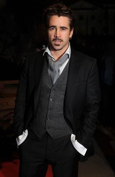Colin Farrell roughing up the ascot look.