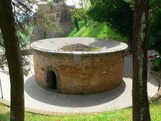 Pozzo di San Patrizio. Esterno