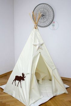 #pacztipi #pacz #teepee #tipi #wigwam #tent #crochet #pillows #stars #clouds #radosnafabryka #handmade Hanging Chair, Cotton Fabric, Furniture, Home Decor, Homemade Home Decor, Cotton Textile, Home Furnishings, Interior Design, Home Interiors
