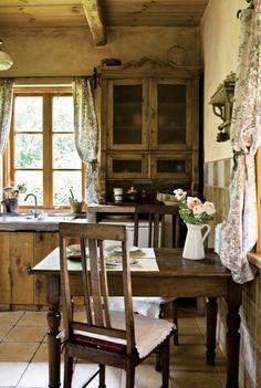 Farmhouse decor farmhouse kitchen country kitchen design ideas french k Farmhouse Kitchen Curtains, Wooden Kitchen Set, Country Decor, Cottage Decor, Home Decor, Cottage Interiors, Country Kitchen Designs, Curtain Decor, Rustic House