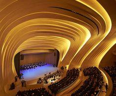 Das Heydar Aliyev Center in Baku | Zaha Hadid, die visionär  http://wohnenmitklassikern.com/innenarchitekten/zaha-hadid-die-visionar/