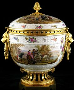 A Large Gilt Bronze Mounted Porcelain Potpourri Vase and Cover Attributed to Samson et Cie.