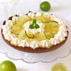 Ljuvligt god key lime pie med spröd botten och krämig limefyllning.