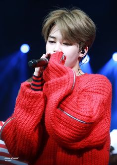 Jimin ahhhhhh how can some one be so cute I love you bts and go watch there new movie burn the stage 2018