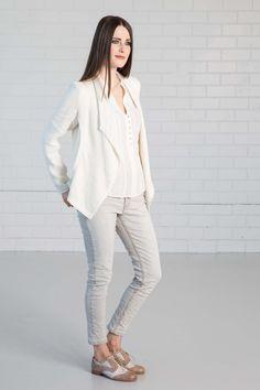 NILE - Primavera 2017 - Velvet Grey vest, Classy White shirt, Slim Light blue jeans. #lookbookoutfits #lookbookfashion #lookbookphotoshoots