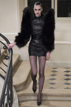 Saint Laurent Fall 2016 Ready-to-Wear Collection - Vogue Fashion Week Paris, Fall Fashion 2016, Runway Fashion, Autumn Fashion, Womens Fashion, Vogue Paris, Saint Laurent Paris, St Laurent, Fashion News