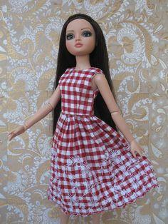 Tonner Ellowyne Wilde Doll Dress. $16.99, via Etsy.